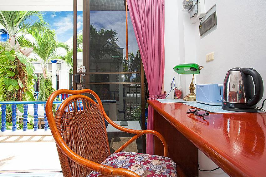 Kettle and toaster at the 1 bed Apartment Khuno 203 in Western Phuket