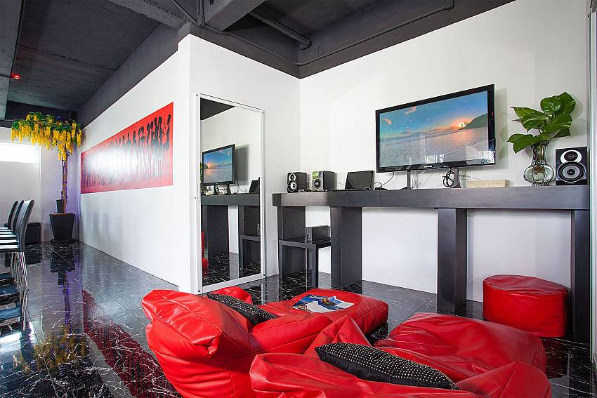 Lounge with TV and music system in Big Buddha Hill Villa 2 Phuket