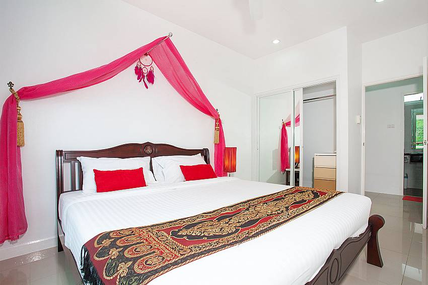 3. bedroom with king-size bed in Big Buddha Hill Villa 2 Phuket