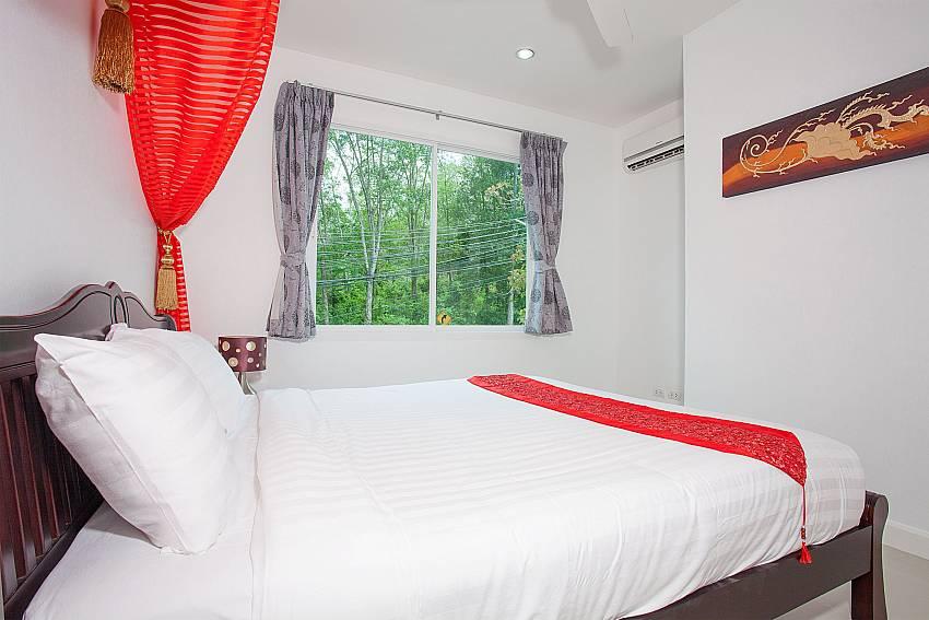 4. king-size bedroom in Big Buddha Hill Villa 2 Phuket