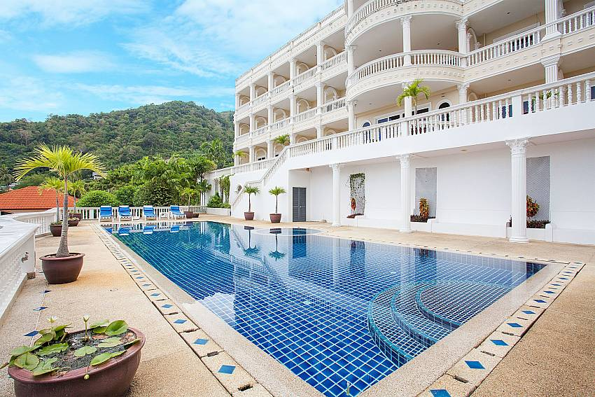 Manuae Condo 101 with 1 bed and sea view in Karon Phuket
