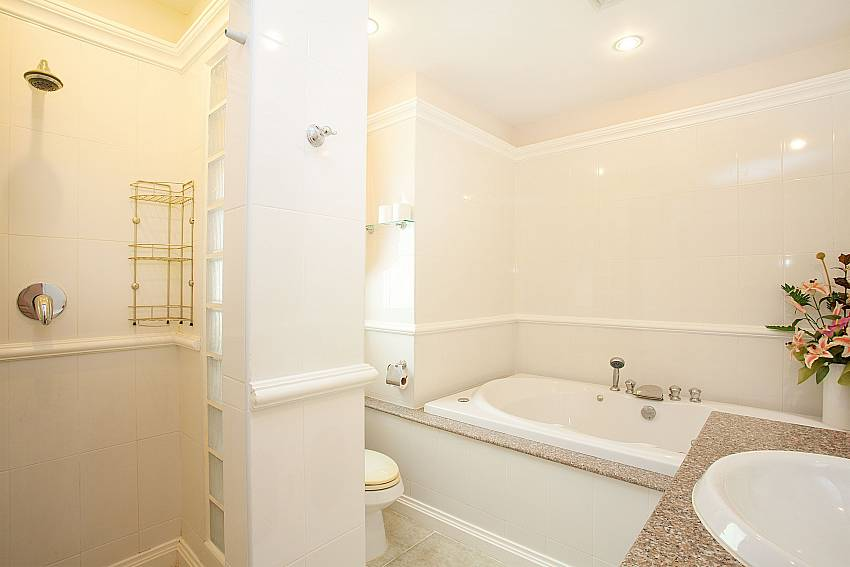 European style bathroom at Manuae Condo 101 in Phuket