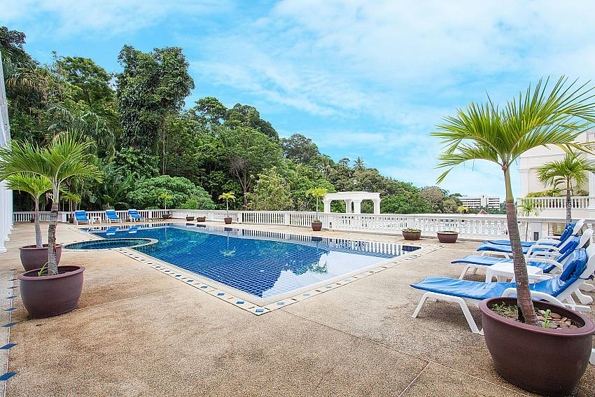 Manuae Condo 101 apartment house with communal Pool Phuket