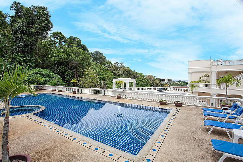 Pool access for guests in Manuae Condo 101 Phuket