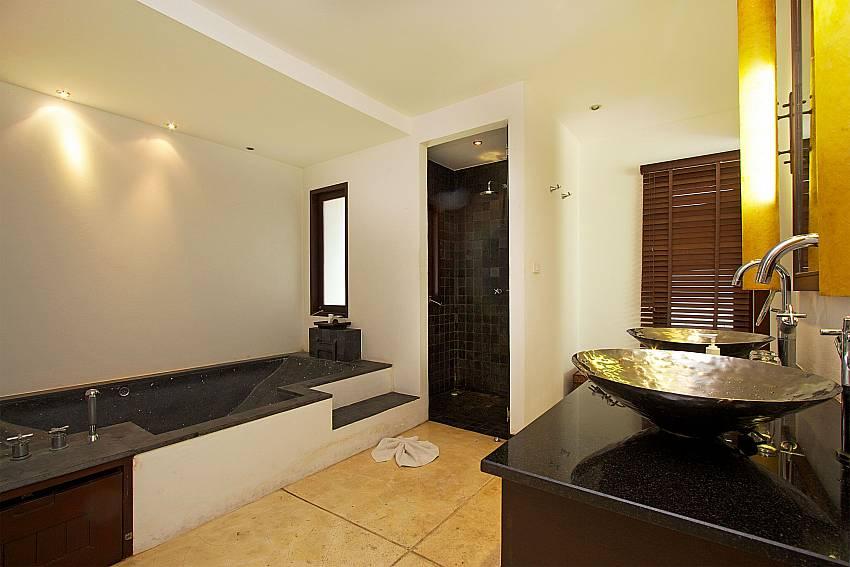 Master bathroom in Nirano Villa 26 Central Phuket