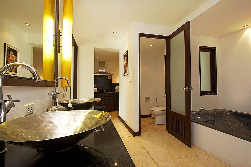 Ensuite master bath at Nirano Villa 26 in Kathu Central Phuket