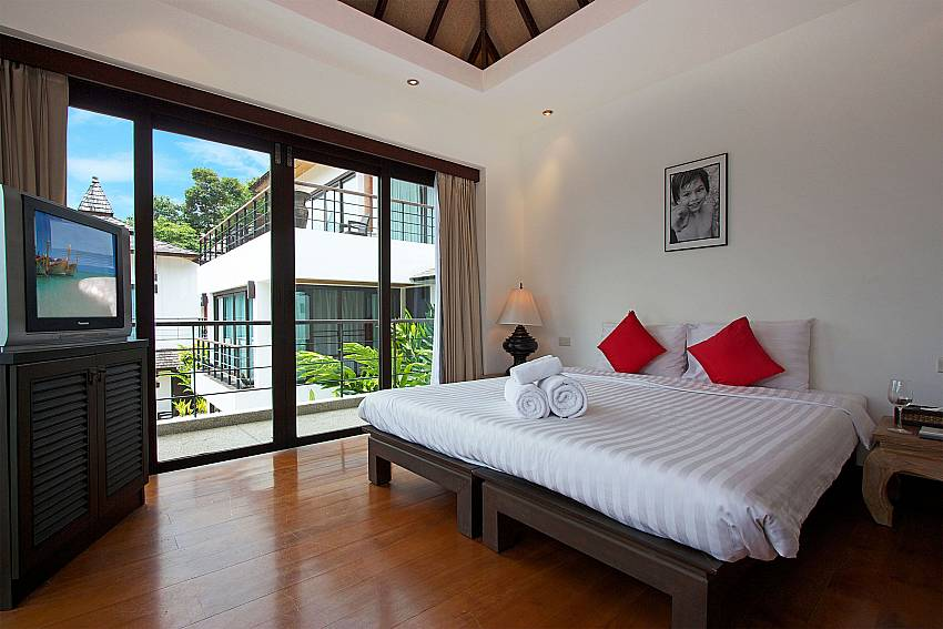 Guest bedroom on the 1. floor with Balcony at Nirano Villa 26 Phuket