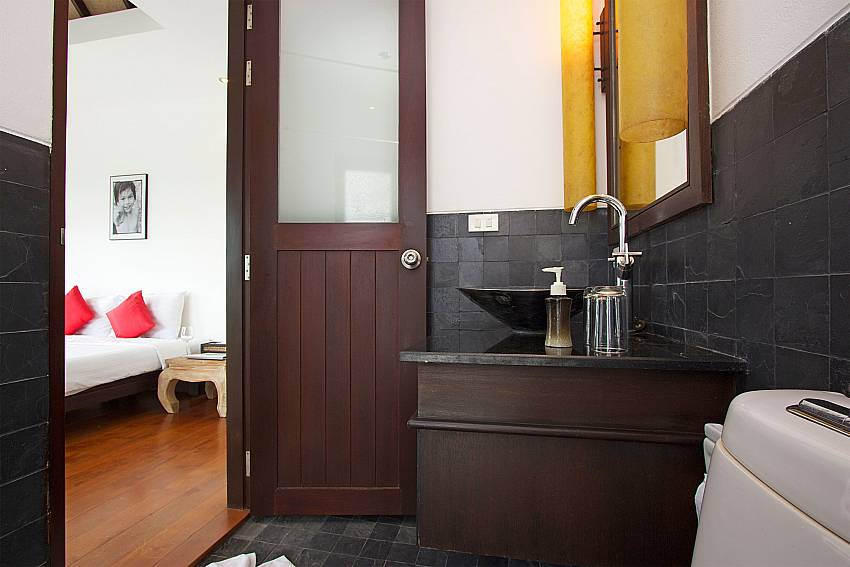 2. ensuite bathroom of Nirano Villa 26 in Kathu Phuket