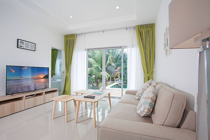 Lounge with TV and direct pool access in Villa Inigo No.2 Koh Samui