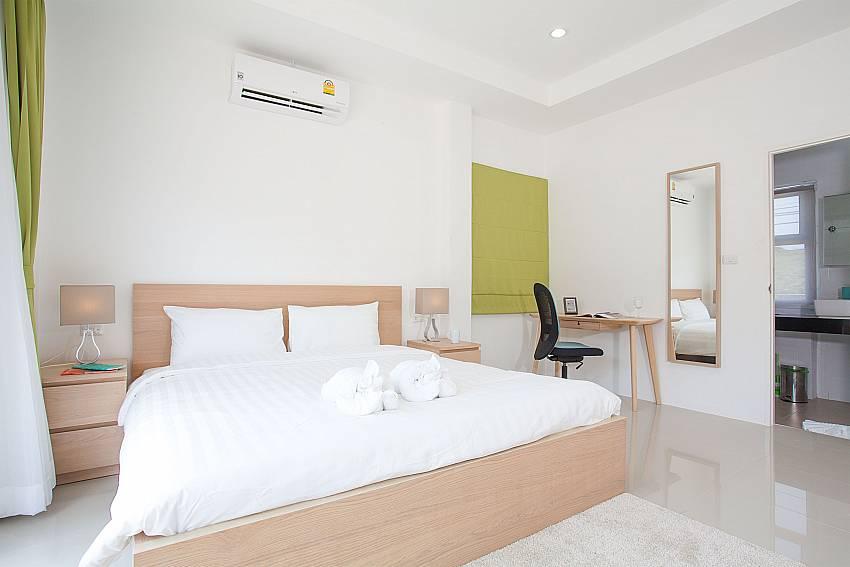 1. bedroom with King size bed at Villa Inigo No.2 Samui