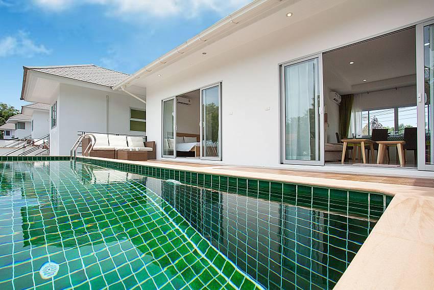 Private pool area with sitting at Villa Inigo No.2 Koh Samui