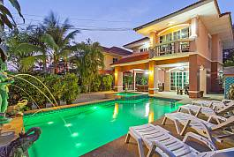 5Br Pool Villa With Large Outdoor Lounge and Sheltered Dining Area in Jomtien Pattaya
