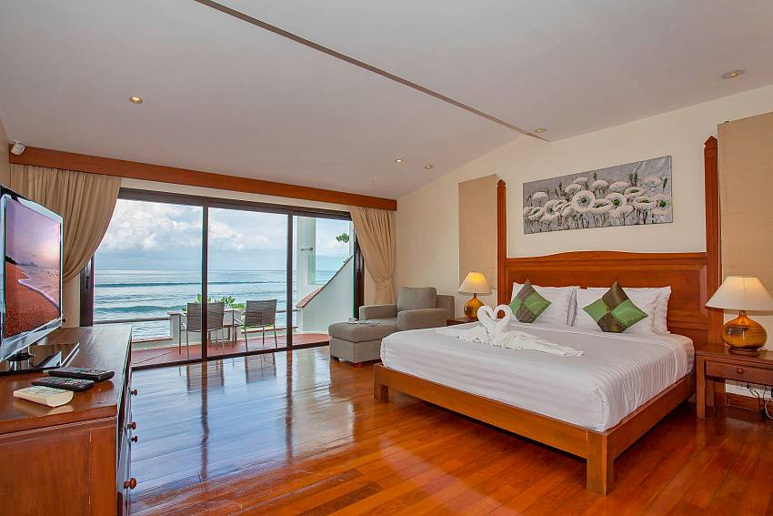 Villa Balie 1. bedroom with double bed and sea view