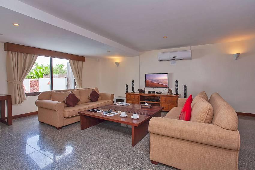 Villa Balie with spacious living room at West coast Phuket