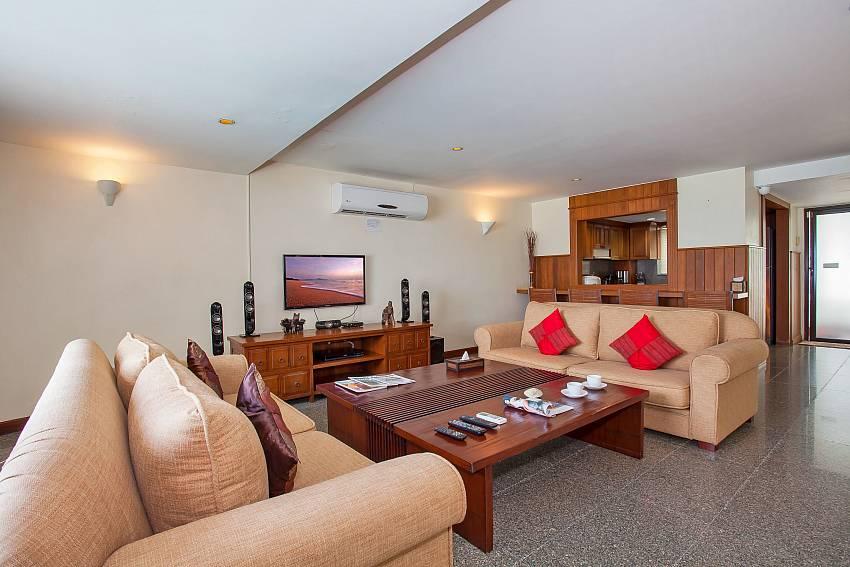 Villa Balie living room at beachfront West Phuket