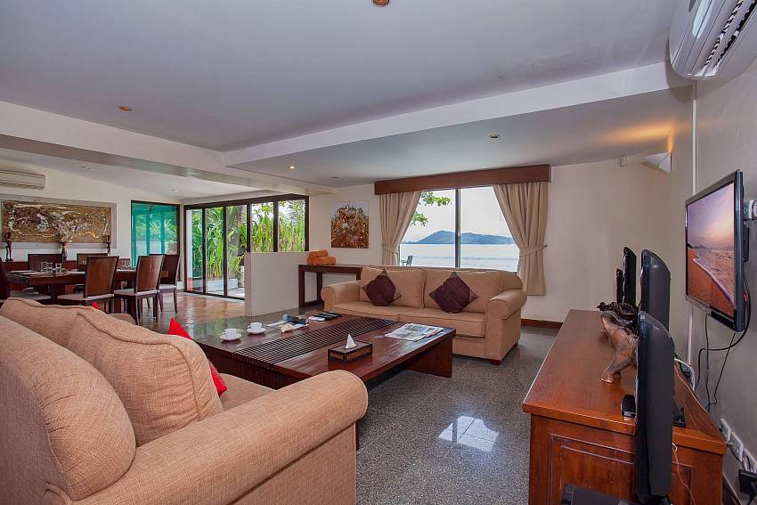 Villa Balie with feudal living room at Kalim West Phuket