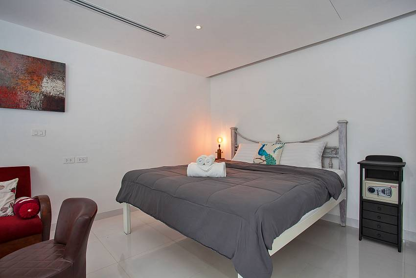 King-size bed in Sadhay A2 Condo Patong West Phuket