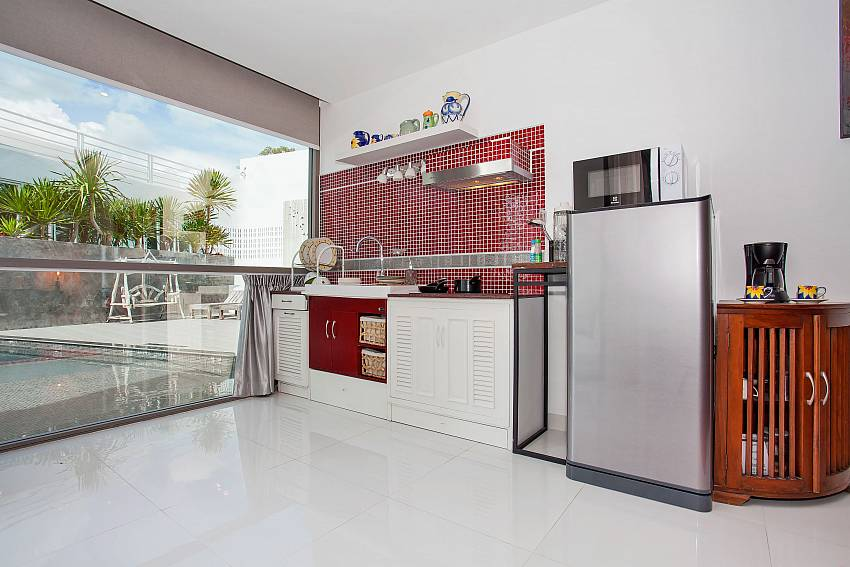 Stylish kitchen at 1 bed Sadhay A2 Condo in Patong Phuket