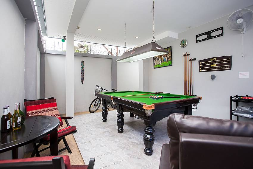 Jomtien Sunrise Villa Pattaya with pool table