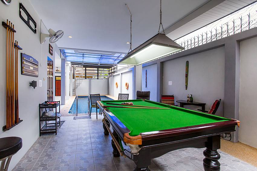 Jomtien Sunrise Villa Pattaya with billiard and pool