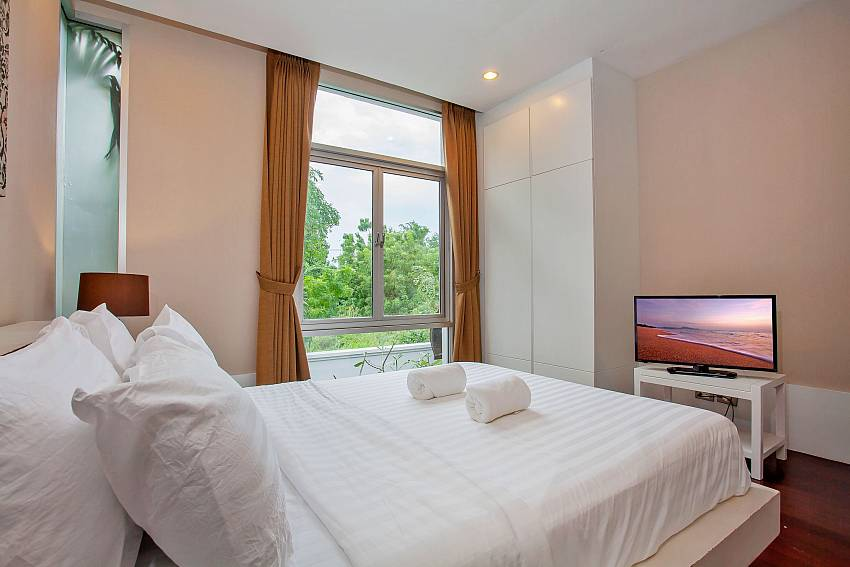 3. double bedroom at Rustic Gold Villa south pattaya