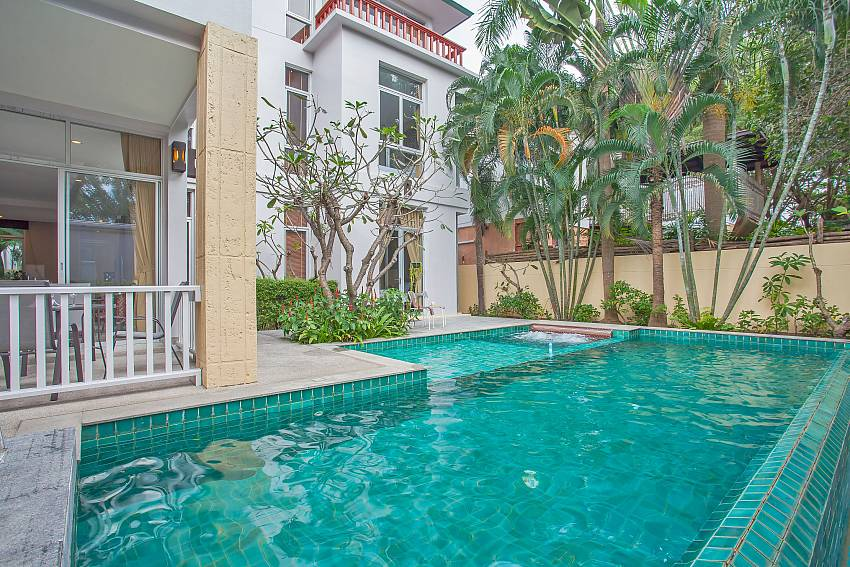 Rustic Gold Villa with private pool in na jomtien pattaya