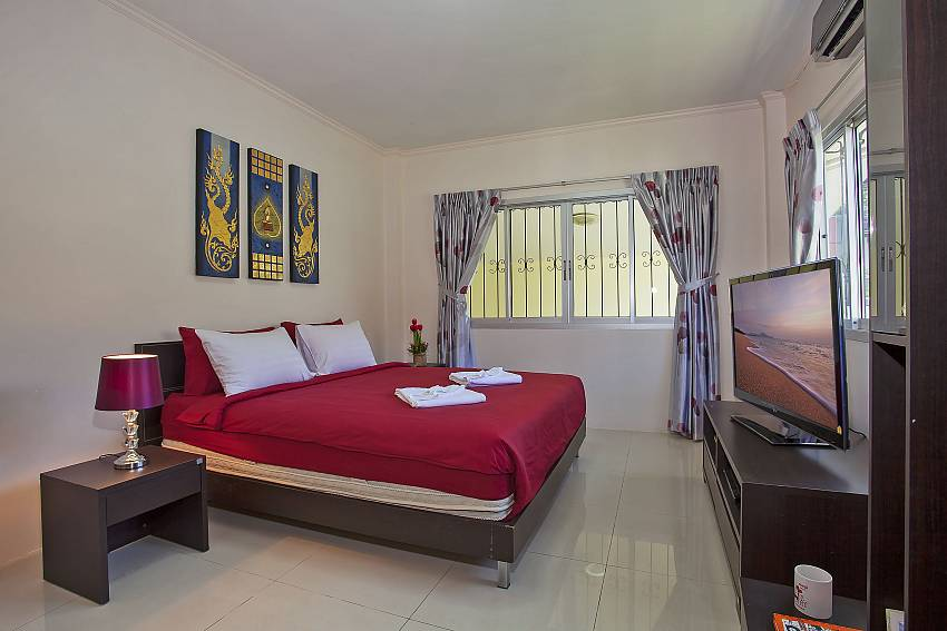 second king size bedroom with tv at Baan Kinara Jomtien Pattaya