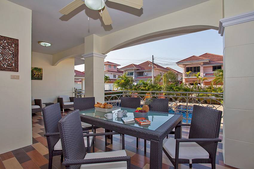 Outdoor dining area of Baan Kinara Jomtien Pattaya
