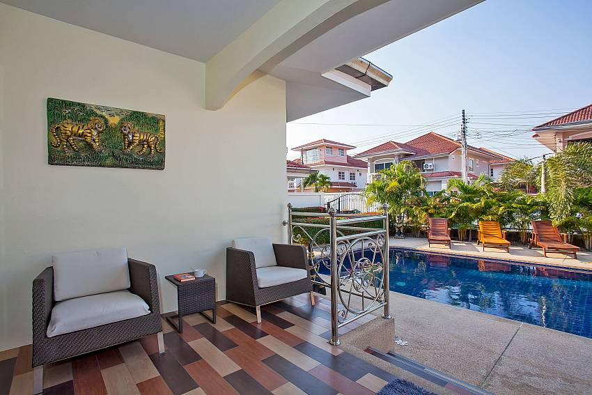 Baan Kinara Jomtien Pattaya with terrace and pool