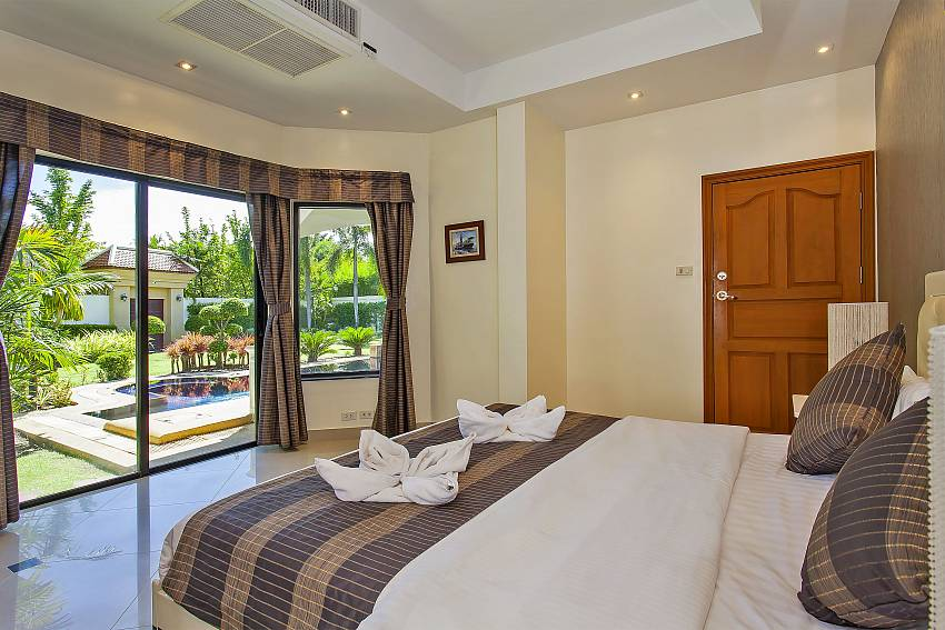from the 2. double bedroom is a direct access to the garden of Pattaya Presidential Villa