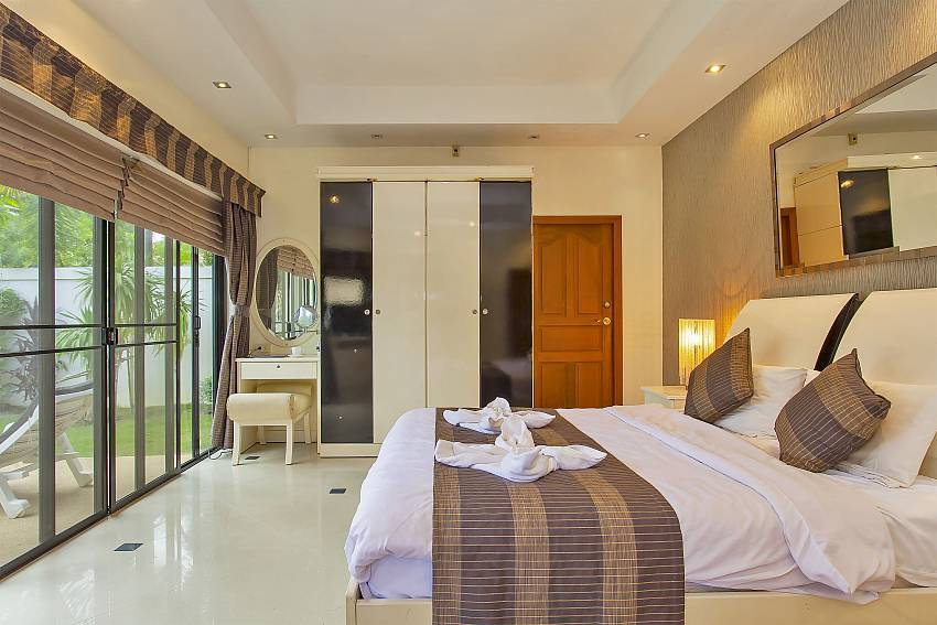1. bedroom with direct pool access at Pattaya Presidential Villa