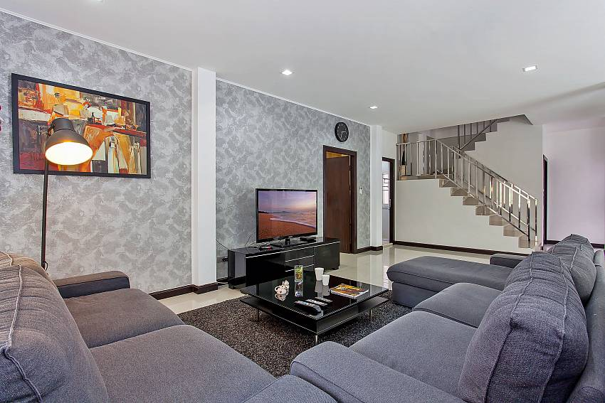 comfortable couch with flat TV at Moonlight Villa Jomtien Pattaya