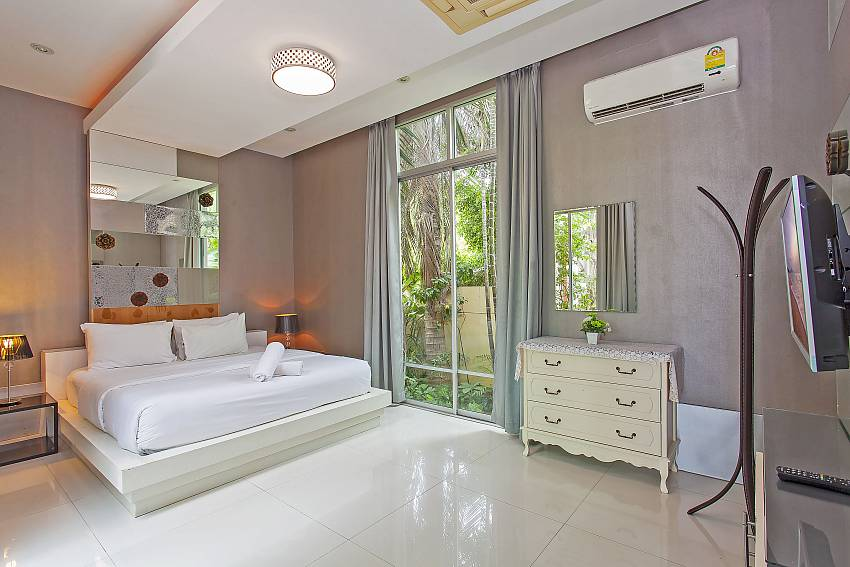 Airy 3. guest-bedroom with access to the garden in Silver Sky Villa Central Pattaya