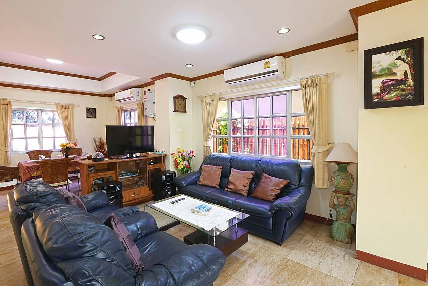spacious living area at Villa Amiya in Jomtien south pattaya