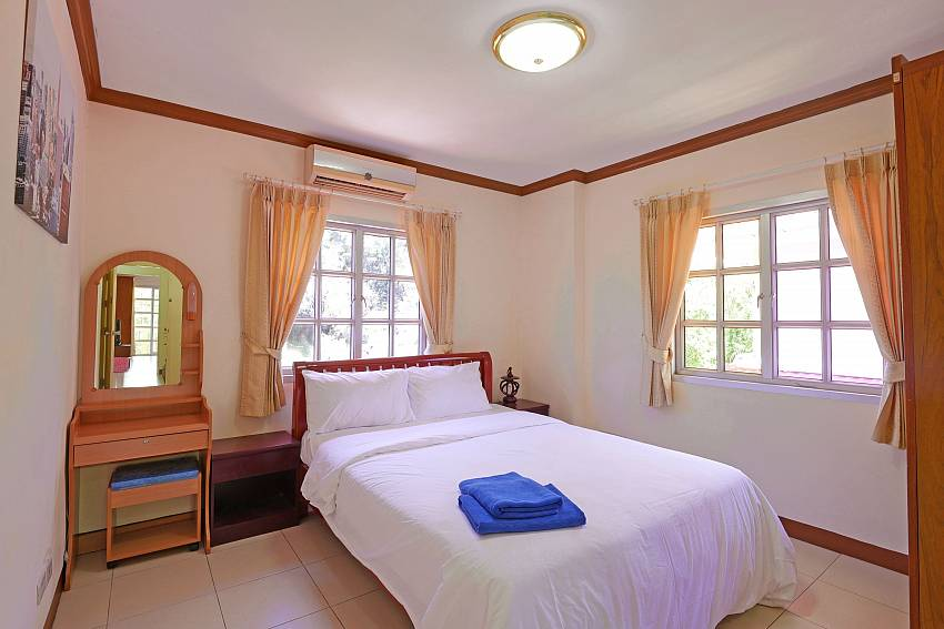 3.bedroom with queen-size bed in pattaya Villa Amiya