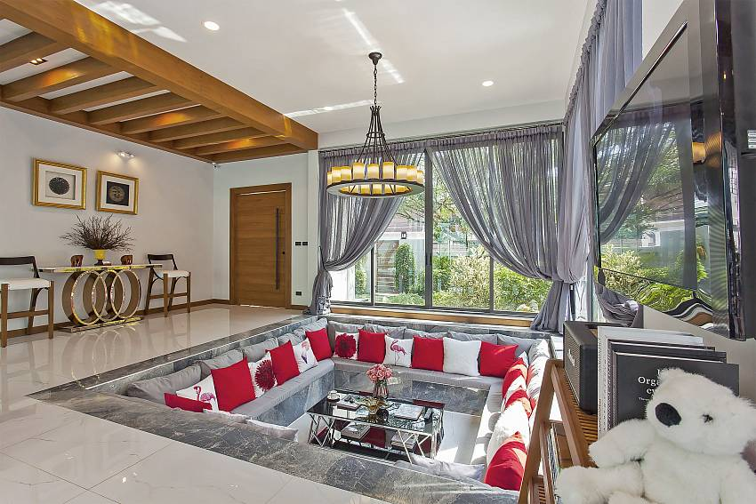 Chill & Chic Villa | Stylish 4-Bedroom Pool Villa in Pattaya