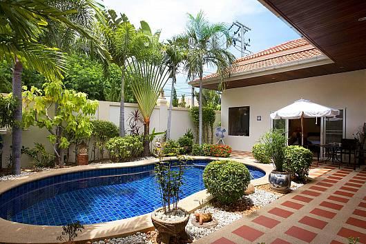 Rent Pattaya Villa: Baan Tawan 1, 2 Bedrooms. 6350 baht per night
