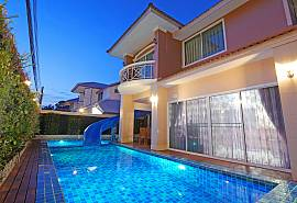 Villa Sunshine | 7 Bedroom Villa sleeps 17 in Jomtien Beach