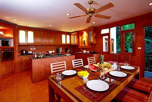 Аренда виллы на Пхукете: Patong Hill Estate 5, 5 Спален. 33972 бат в день