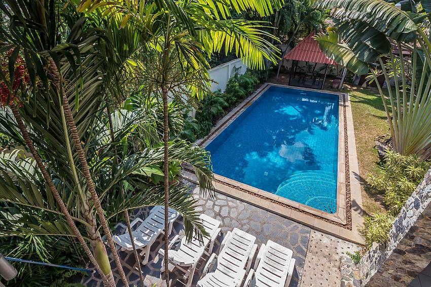 Villa and Exercise Pool-baan-suan-far-sai_5-bedroom_luxury-pool-villa_jomtien_pattaya_thailand