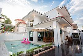 Villa Skylight | 7 Bedroom Private Pool Villa near Jomtien Beach
