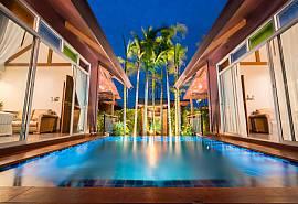บังกาโลแฝด สองห้องนอน สระว่ายน้ำส่วนตัว พักได้ 4  คน ตั้งอยู่พัทยาใต้