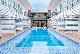 Poollay Pool Resort | Amazing Party Resort with 32 Rooms Sleep 64 Guests