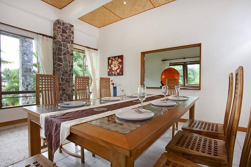 Indoor Dining Area-baan-suan-far-sai_5-bedroom_luxury-pool-villa_jomtien_pattaya_thailand