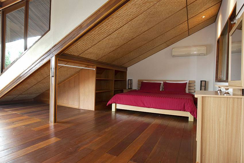 Attic Bedroom-baan-suan-far-sai_5-bedroom_luxury-pool-villa_jomtien_pattaya_thailand