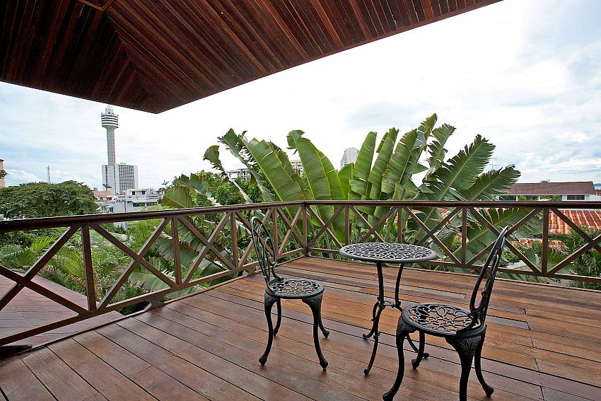 Enjoy some quietness at the top floor terrace of Baan Suan Far-Sai Pattaya