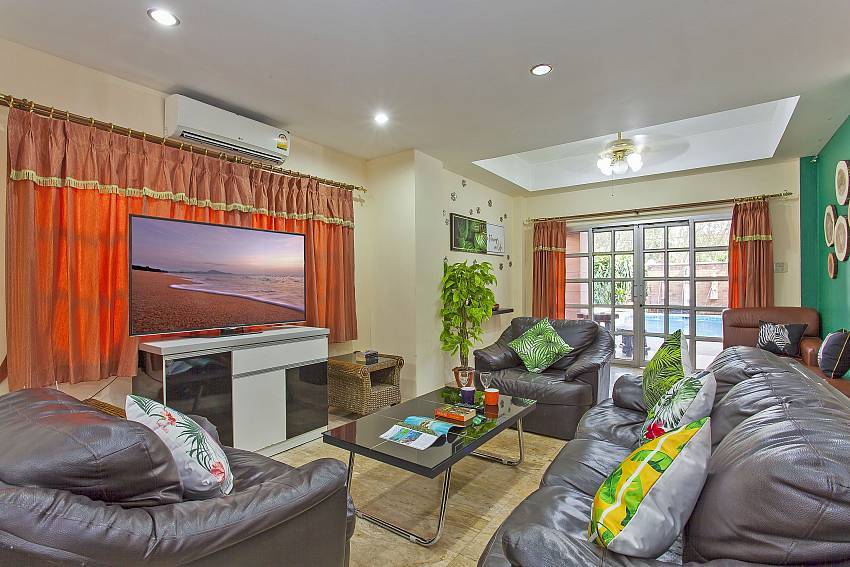 Baan Duan Chai | 5 Bed Pool Villa Close to Jomtien Beach in South Pattaya