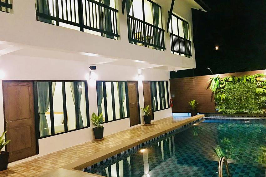 White Home | 9 Bedroom Private Pool House 2 km from Walking Street
