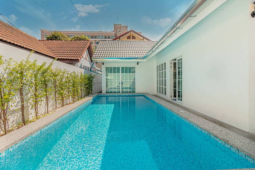 Blue Diamond Villa | Cozy 3 Bedroom Pool Villa in South Pattaya