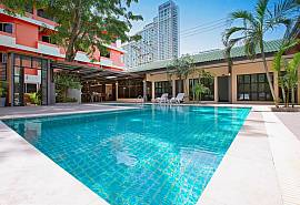 Beachside Resort | 9 Bed Private Resort with Pool 200m to Jomtien Beach